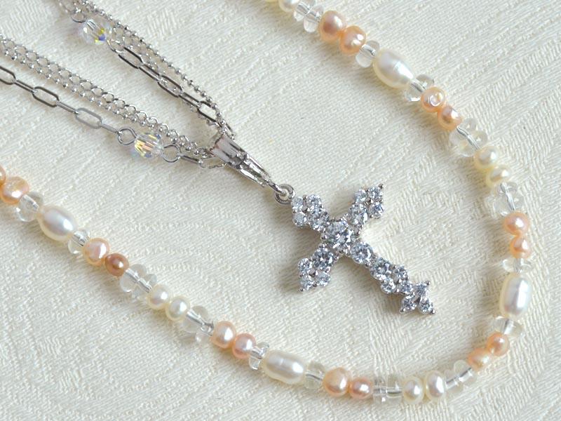 SVデザイン3連ネック+淡水真珠・水晶ネック+CZクロスヘッド3点セット