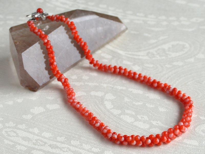 瓢型赤サンゴ組ネックレス