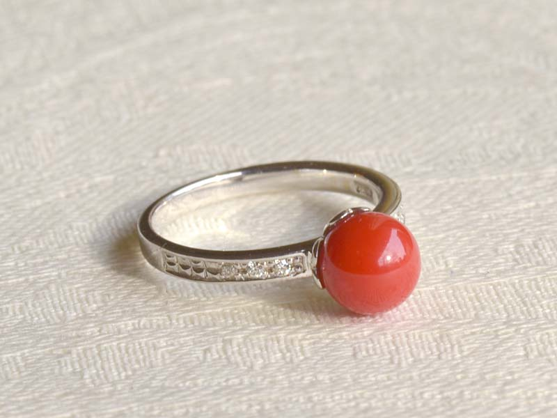 K18WG ダイヤ入り血赤珊瑚7mm珠リング