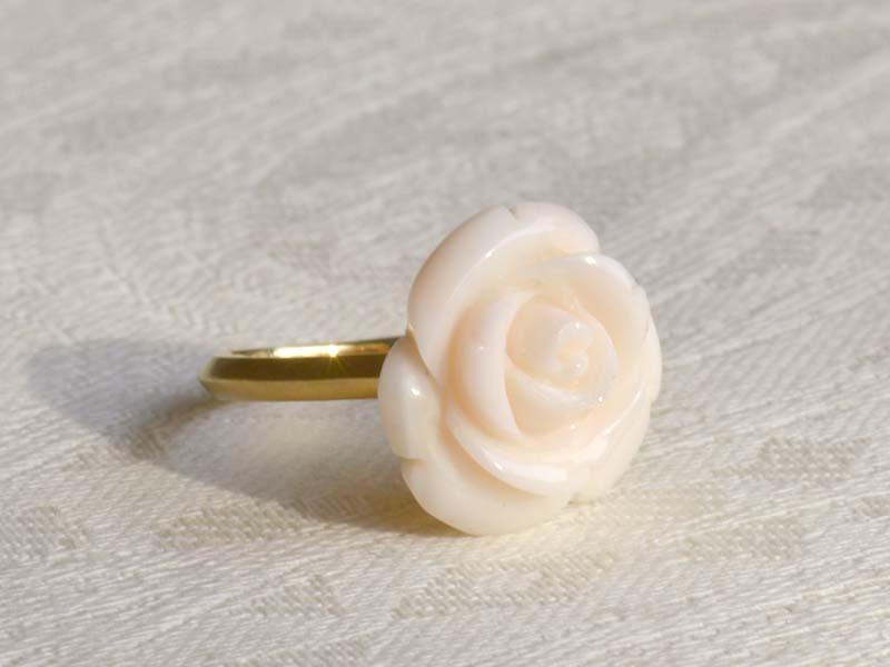 K18 ホワイトピンクサンゴ薔薇リング
