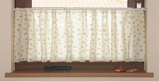 二重のガーゼ生地に小花柄のプリントのカフェカーテン 送料無料 低価格 カフェカーテン幅 150cm × 丈 30cm Wガーゼバラ cos-9138 カーテン カフェカーテン インテリア 出窓 小窓 目隠し 日本製 半額 トイレカーテン 人気