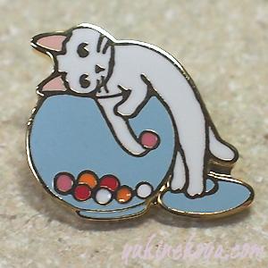 トートバッグやポーチに付けて私だけのオリジナルに 猫ピンズ キャンディポット 白猫 贈答品 ポタリングキャット ピンバッチ キャット ステーショナリー 文房具 ねこ 猫雑貨 ネコグッズ 再再販