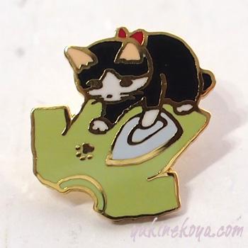 トートバッグやポーチに付けて私だけのオリジナルに 猫ピンズ シャツにアイロン ポタリングキャット 販売期間 限定のお得なタイムセール ピンバッチ 日本未発売 文房具 ねこ ネコグッズ キャット 猫雑貨 ステーショナリー