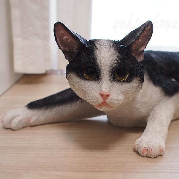 動きだしそうなほどリアルにゃ猫の置物 正規認証品!新規格 猫を飼えないあなたにおすすめ リアルな猫の置物 白黒猫 インテリア オーナメント チアフルフレンズ 市販 猫のルビー ガーデンオーナメント ガーデニング カフェ 玄関 飾り 猫グッズ プレゼント ベランダ 癒し ねこ柄 雑貨 かわいい ネコグッズ キャット ギフト ネコ 猫雑貨