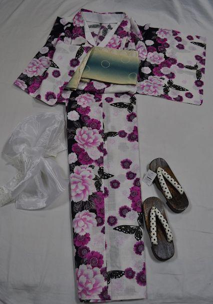 yo14/2L~3Lサイズ/ふっくらと艶やかなお嬢様へ/白地に艶やかなラメ入り蝶と牡丹桜
