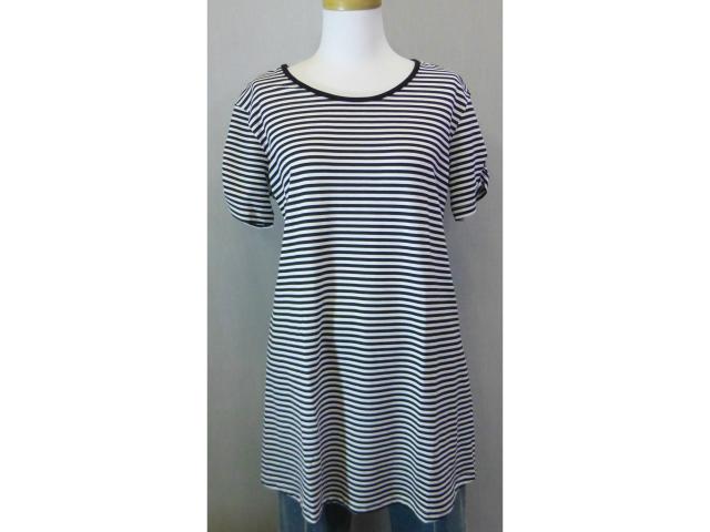 ゆったりと着やすいボーダーTシャツです ボーダーTシャツ 黒 白 2020 レディース M セール ゆったり 格安 高額売筋 激安 半袖