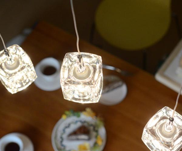 LEDペンダントライト ガラスキューブ【照明/照明器具/電気/天井照明/店舗/カフェ/美容院/ダイニング/3灯/インテリア/おすすめ】