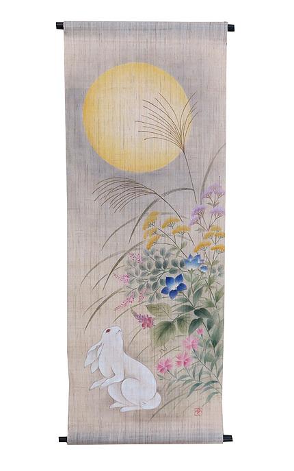 手描き友禅タペストリー:月に秋の七草と兎/ 和モダン タペストリー (秋 タペストリー)受注製作