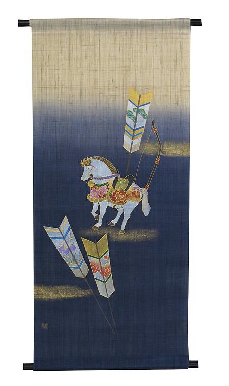 端午の節句タペストリー・流鏑馬 / 四季のタペストリー/ 紺色の染めはタペストリー全体の中央までとなります