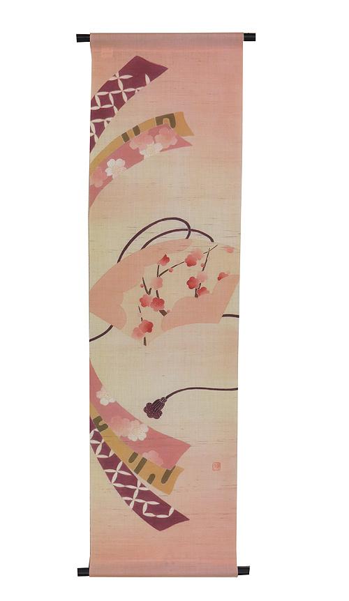 麻タペストリー:春衣装(扇面に梅)受注製作/ 和モダン タペストリー