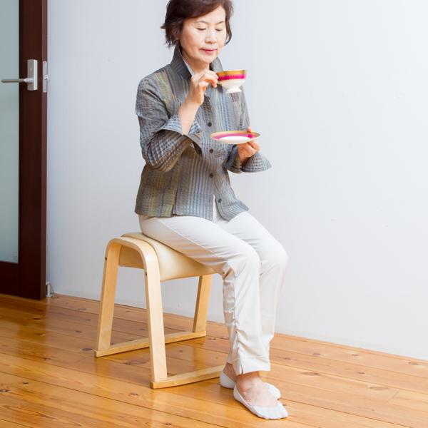 スタッキングチェア同色2脚組 イス チェア スタッキングチェアコンパクトなチェア!お得な2脚セット! ST0452P イス チェア スタッキングチェア 背もたれなし 椅子 いす チェアー スツール コンパクト 補助椅子 腰掛け