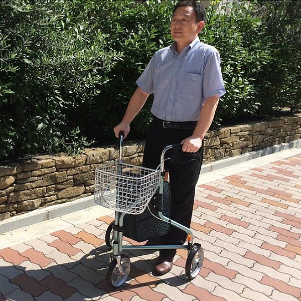 【ランキング獲得】トライウォーカー バッグ スーツケース キャリーバッグ歩行車の中に身体が入り背すじを伸ばして歩けます!日本製 4470 歩行車 シルバーカート 買い物キャリーカート ウォーカー カート シルバーカート 歩行器 介護 折りたたみ 折りたたみ式 日本製