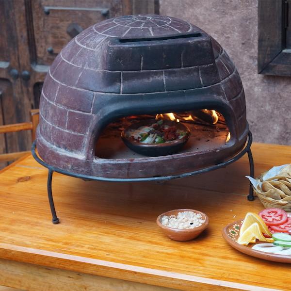 円高還元 メキシコ製ピザ窯チムニー MCH060【すぐ使えるクーポン進呈中 バーベキュー】ピザやグラタンなど焼くのにおススメ! 台付きなのでテーブルが焦げません♪8599 ドーム型 BBQ バーベキュー アウトドア用品 アウトドア ドーム型, 神棚の里:3eac4dc6 --- konecti.dominiotemporario.com