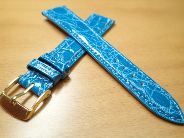 16mm 18mm 20mm 時計バンド (腕時計) ベルト カイマンクロコ ライトブルー (水色) バネ棒 サービス 腕時計用 時計ベルト 時計用バンド 525円で販売していますバネ棒をサービスでお付けします