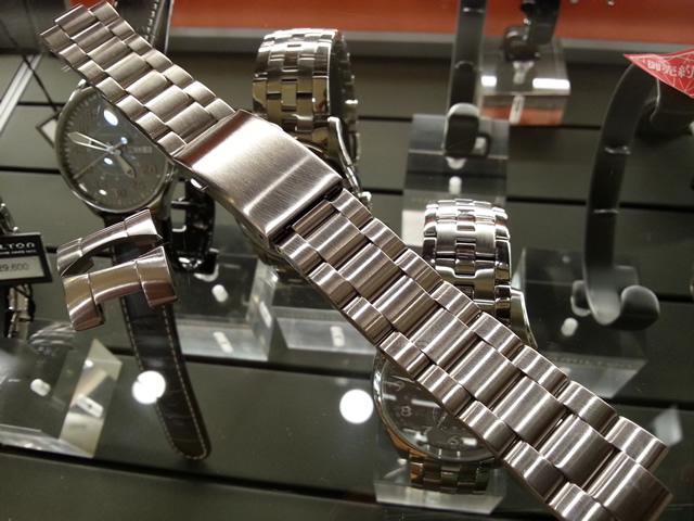HAMILTON☆ハミルトン☆カーキネイビーサブ専用 メタルブレスレット 20mm 腕時計バンド ベルト メタルバンド H605775100 全国送料180円のメール便がご利用いただけます。