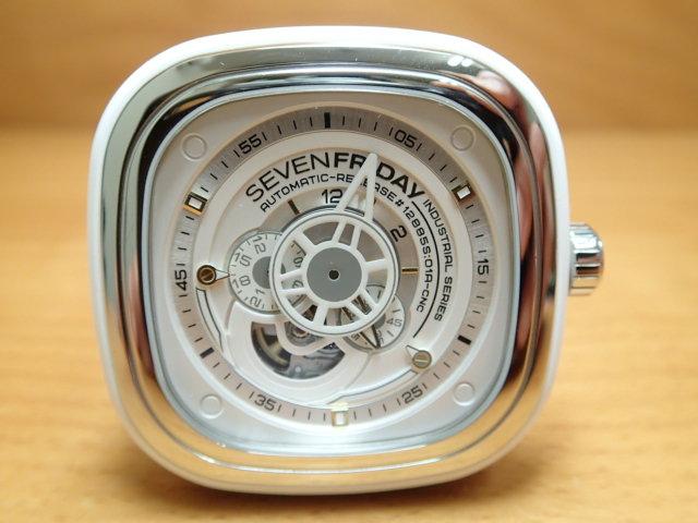 SEVENFRIDAY セブンフライデー 腕時計 インダストリアルエッセンス ブライト 正規輸入商品 Ref.P1-2セブンフライデーはメーカー保証2年付の正規代理店商品になります。