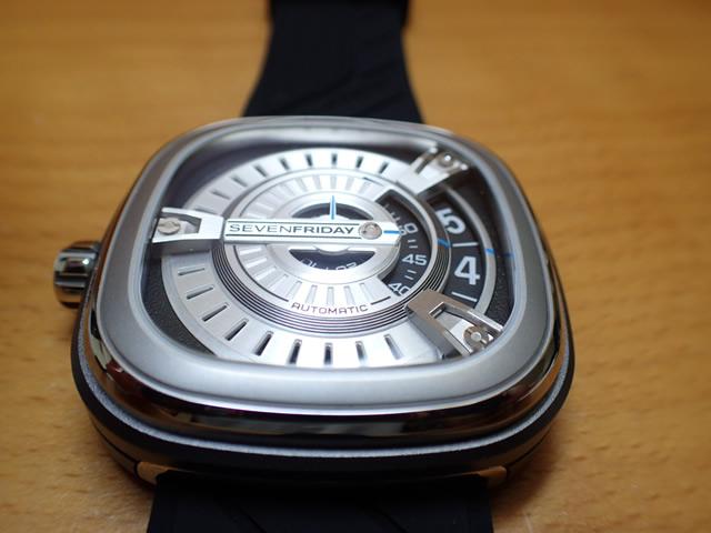 SEVENFRIDAY セブンフライデー 腕時計 Mシリーズ 正規輸入商品 M1 ラバーバンド仕様セブンフライデーはメーカー保証2年付の正規代理店商品になります。
