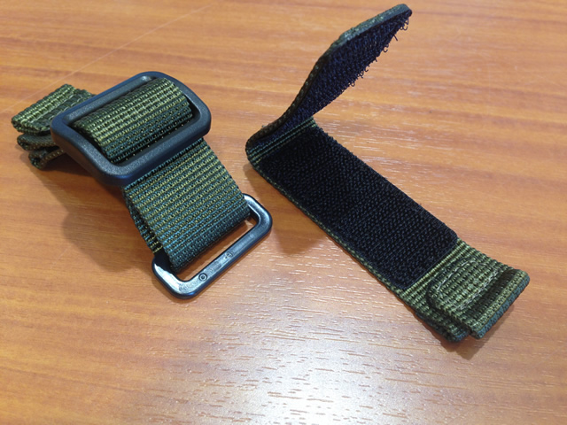 ee9e01e6d4b7e ... WENGER watch Wenger nylon watch band watch belt and 20 mm and is green  and regular ...