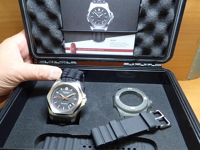 VICTORINOX ビクトリノックス 腕時計 I.N.O.X. イノックス Paracord NAIMAKKA パラコード ナイマッカ コラボレーションモデル 241726.1 ブラック