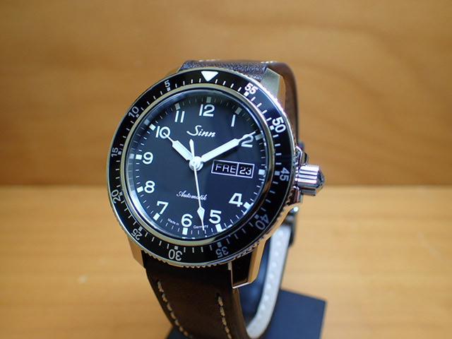 ジン 腕時計 SINN 104.ST.SA.A ジンの基本精神に基づき製作されたパイロットクロノグラフ103シリーズの三針タイプ