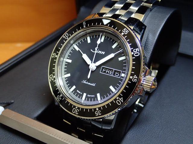 ジン 腕時計 SINN 104.ST.SA.M ジンの基本精神に基づき製作されたパイロットクロノグラフ103シリーズの三針タイプ
