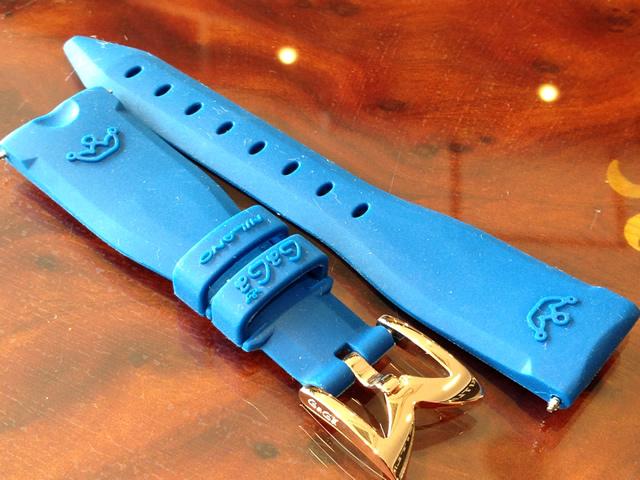 GaGa MILANO ガガミラノ 日本正規品 純正 時計バンド ベルト 40mm レディース用 ラバーベルト ネイビーブルー (撮影上、ブルーが強く見えますが現品はネイビーです)