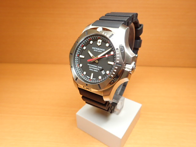 VICTORINOX ビクトリノックス 腕時計 イノックス プロフェッショナル ダイバー I.N.O.X. PROFESSIONAL DIVER ブラック 241733 [正規輸入品]