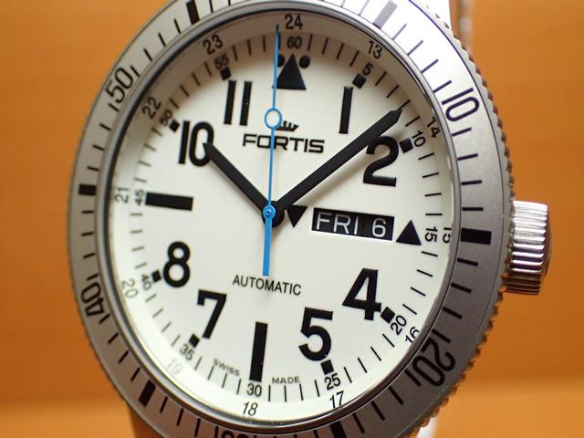 フォルティス 腕時計 FORTIS White Marinemaster ホワイト マリンマスター 42mm Ref.647.11.42SI 優美堂分割払いOKです
