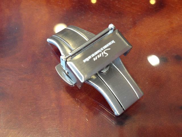 【SINN】 ジン 腕時計  Sinn 純正バンド ベルト (18mm) バタフライ バックル SSサテン  全国送料180円のメール便がご利用いただけます。