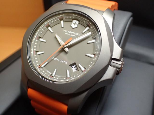 VICTORINOX ビクトリノックス 腕時計 I.N.O.X. イノックス TITANIUM チタニウム 43mm 241758