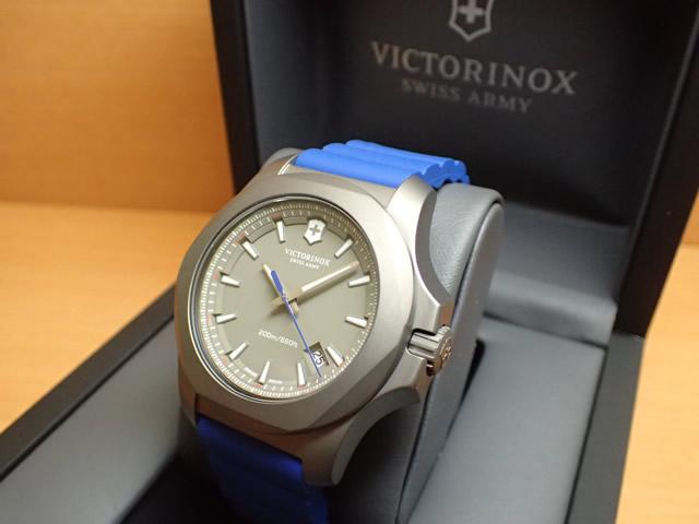 VICTORINOX ビクトリノックス 腕時計 I.N.O.X. イノックス TITANIUM チタニウム 43mm 241759