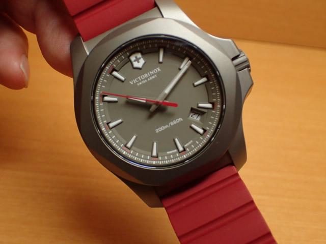 VICTORINOX ビクトリノックス 腕時計 I.N.O.X. イノックス TITANIUM チタニウム 43mm 249115