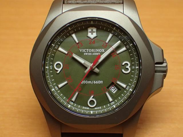 VICTORINOX ビクトリノックス 腕時計 I.N.O.X. イノックス TITANIUM PILOT チタニウムパイロット 43mm 241779