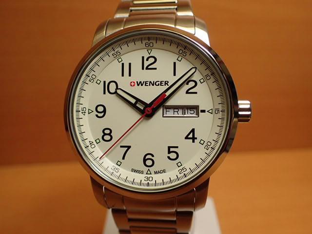WENGER (ウェンガー) 腕時計 Attitude Day Date Heritage 01.1541.108 復活e優美堂のウェンガーは安心のメーカー保証3年付き日本正規商品です。