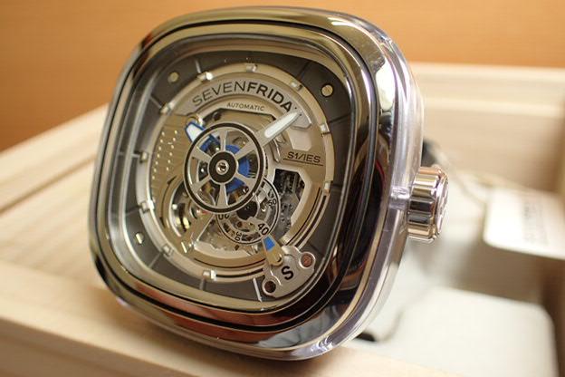SEVENFRIDAY セブンフライデー 腕時計 クリアープラスチックケース 正規輸入商品 Ref.S1-01セブンフライデーはメーカー保証2年付の正規代理店商品になります。