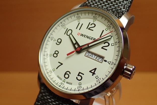 WENGER (ウェンガー) 腕時計 Attitude Day Date Heritage 01.1541.106 復活e優美堂のウェンガーは安心のメーカー保証3年付き日本正規商品です。