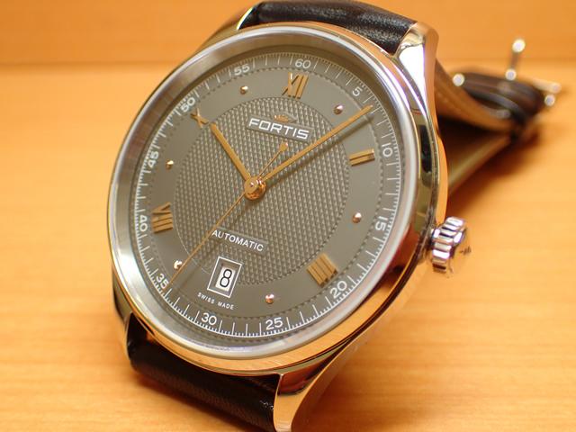 フォルティス 腕時計 FORTIS Terrestis Collections テレスティス・コレクション 19 FORTIS p.m.ナインティーン・フォルティス p.m. 40mm / Ref.902.20.21 分割払いOKです