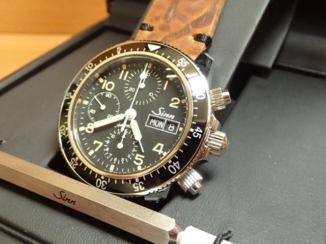 ジン 腕時計 世界限定 300本 Sinn 103 B.SA.AUTO.E 分割払いもOKです懐古的な意匠と先端技術の融合