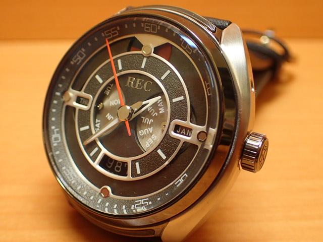 ポルシェ 911 の車体から作られた 腕時計 THE 901-01 REC WATCH