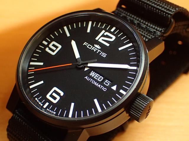フォルティス スペースマティック ステルス 腕時計 Spacematic Stealth 40mm Ref.623.18.18N