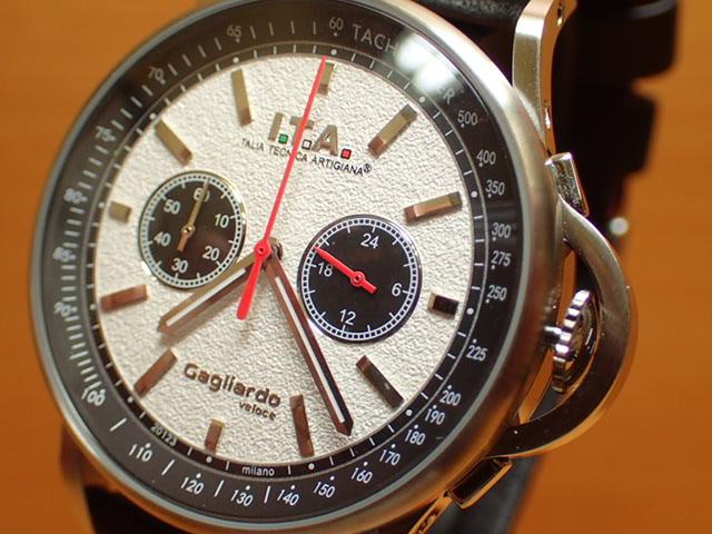 アイティーエー ヴェローチェ 腕時計 I.T.A veloce 正規商品 Ref.24.00.02レトロな印象をもたらし、ストーン加工を施したダイヤルが高級感を高めているクロノグラフモデル