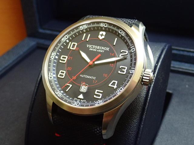 ビクトリノックス エアボス メカニカル 250本限定 リミテッドエディション 腕時計 VICTORINOX Airboss Mechanical Limited Edition ネイビーブルー メンズサイズ 自動巻き 42mm Ref.241792