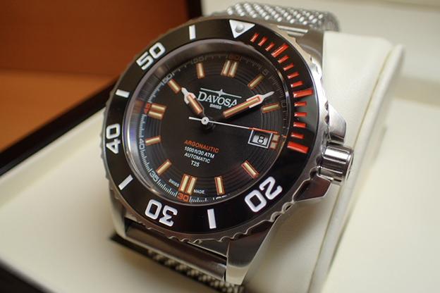 ダボサ 腕時計 DAVOSA Argonautic lumis Colour アルゴノウティック ルミスカラー 161.520.60 メンズ 42mm 【正規輸入品】スーパールミノバと自己発光ガスチューブを併用することで格段の暗所視認性を実現し300メーター防水性能を持つハイスペックダイバーズ