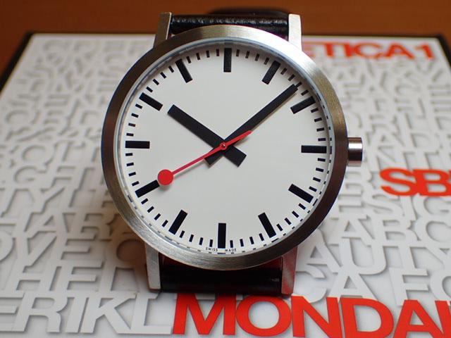 モンディーン 腕時計 クラシック ピュア 40mm メンズ ホワイトダイアル ブラックレザー A660.30360.16OM優美堂のモンディーンはメーカー保証つきの正規商品です。