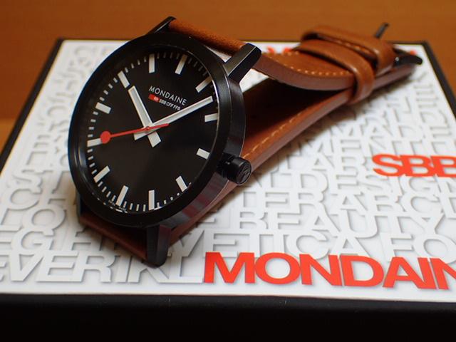 モンディーン 腕時計 クラシック ピュア 40mm メンズ ブラックダイアル ブラウンレザー A660.30360.64SBG優美堂のモンディーンはメーカー保証つきの正規商品です。