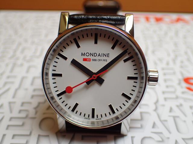 モンディーン 腕時計 エヴォ2 30mm ブラックレザー MSE.30110.LB優美堂のモンディーンはメーカー保証つきの正規商品です。