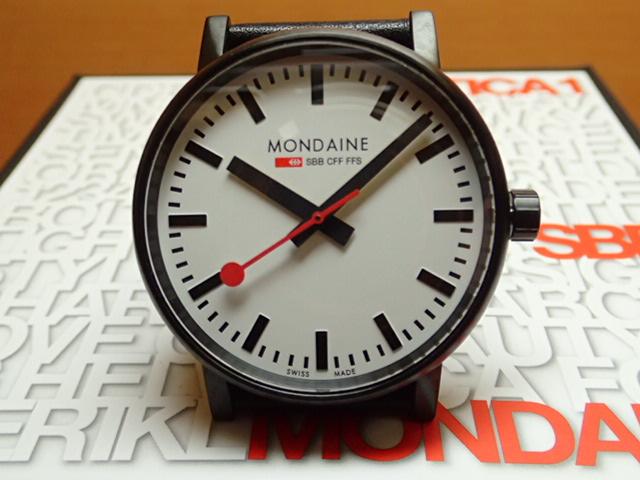 モンディーン 腕時計 エヴォ2 40mm ブラックレザー MSE.40111.LB優美堂のモンディーンはメーカー保証つきの正規商品です。