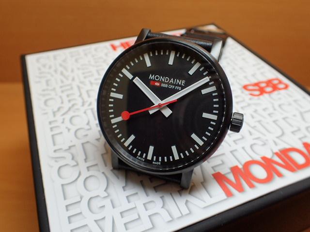 モンディーン 腕時計 エヴォ2 40mm ブラックステッチレザー MSE.40121.LB優美堂のモンディーンはメーカー保証つきの正規商品です。