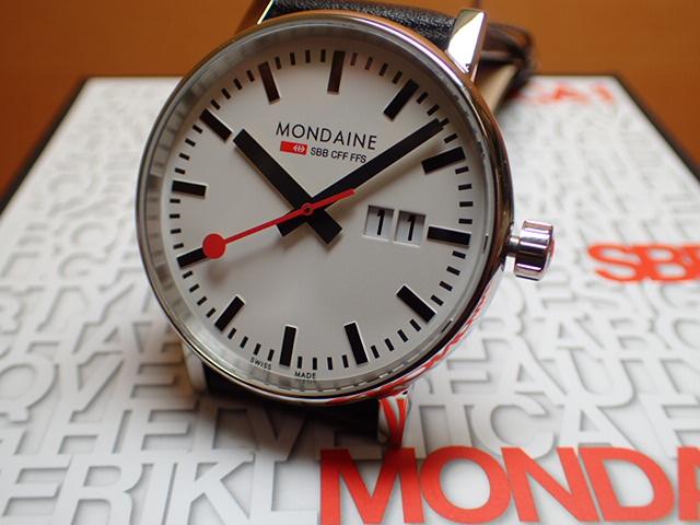 モンディーン 腕時計 エヴォ2 ビックデイト 40mm ブラック MSE.40210.LB優美堂のモンディーンはメーカー保証つきの正規商品です。