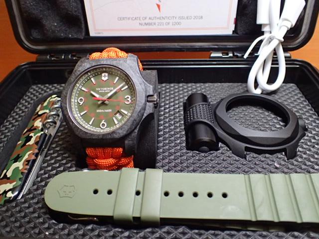 ビクトリノックス 世界限定 1,200本 腕時計 I.N.O.X. イノックス Carbon Limited Edition カーボンリミテッドエディション VICTORINOX 241800.1 シリアルナンバー 221/1200
